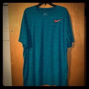 Men's Nike dri-fit xxl Shirt